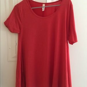 BNWT lularoe red perfect t size small